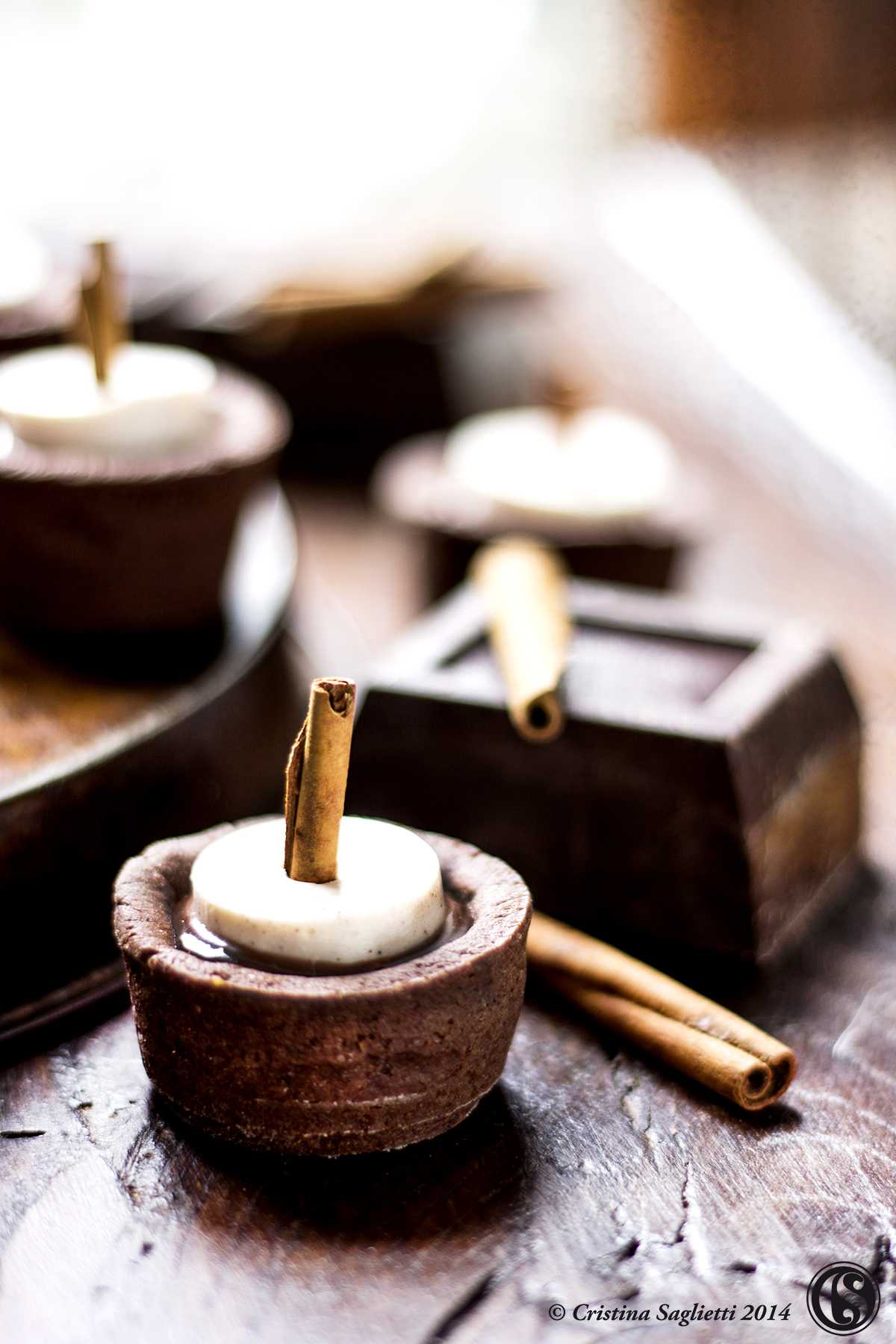 mignon-al-cioccolato-fondente-con-panna-cotta-alla-cannella-5-contemporaneo-food