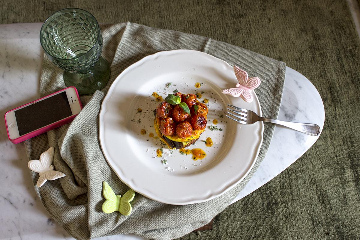 ricotta-al-forno-pomodorini-confit-melanzana-1-contemporaneo-food