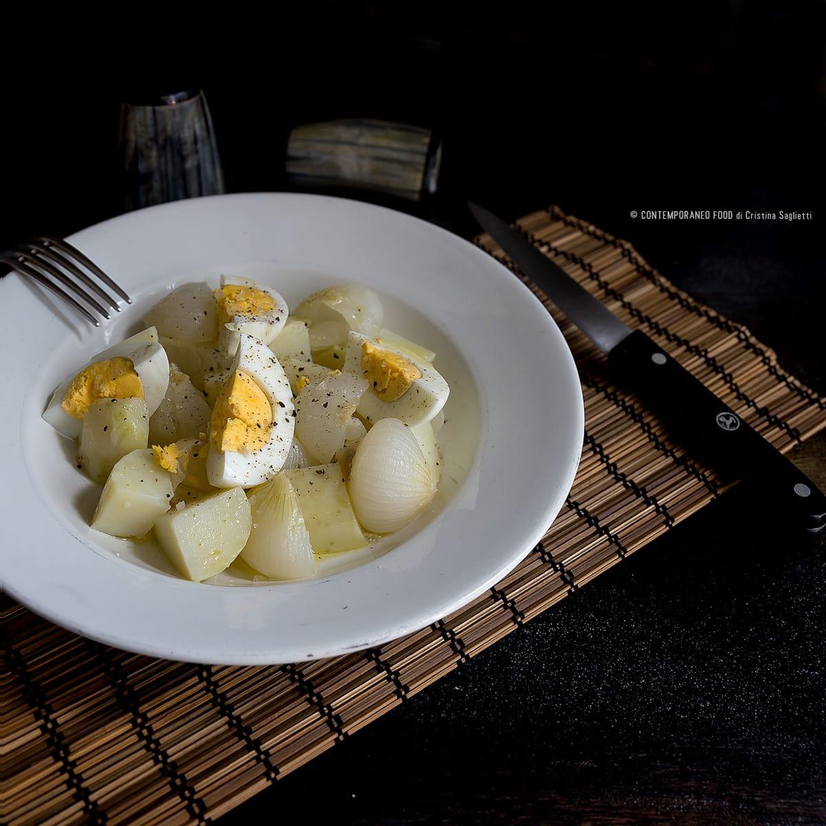 insalata-cipolle-bianche-primaverili-patate-uova-ricetta-facile-veloce-contemporaneo-food