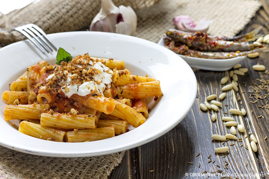 maccheroni-salsa-pomodoro-acciughe-burrata-2-contemporaneo-food