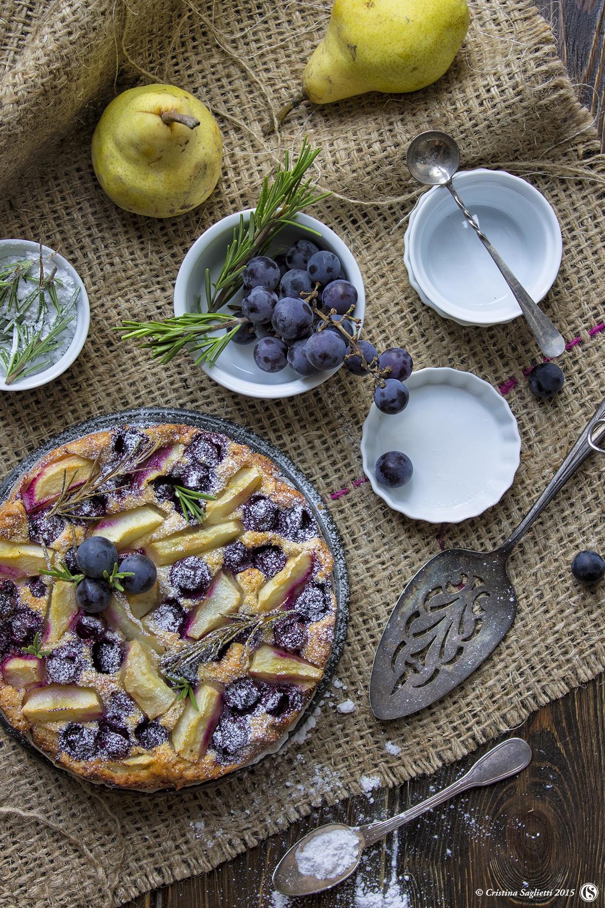 torta-uva-fragola-pere-dolci-con-la-frutta-contemporaneo-food