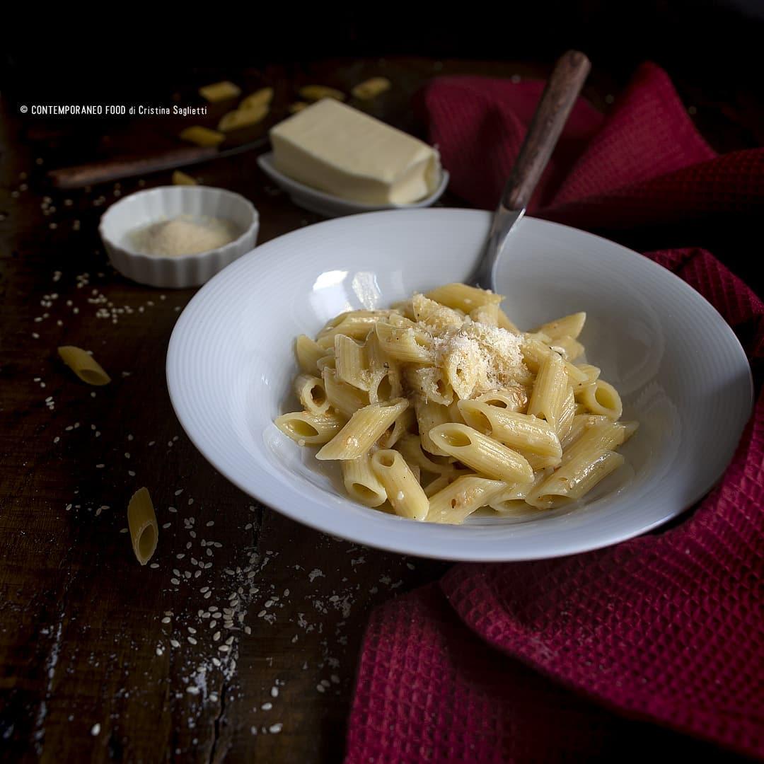 pasta-al-sesamo-e-parmigiano-ricetta-veloce-last-minute-vegetariana-contemporaneo-food