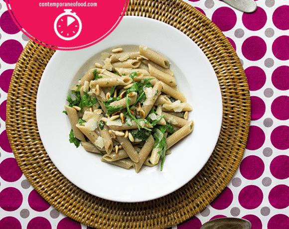 pasta-rucola-pinoli-parmigiano-ricetta-last-minute-primi-piatti-contemporaneo-food