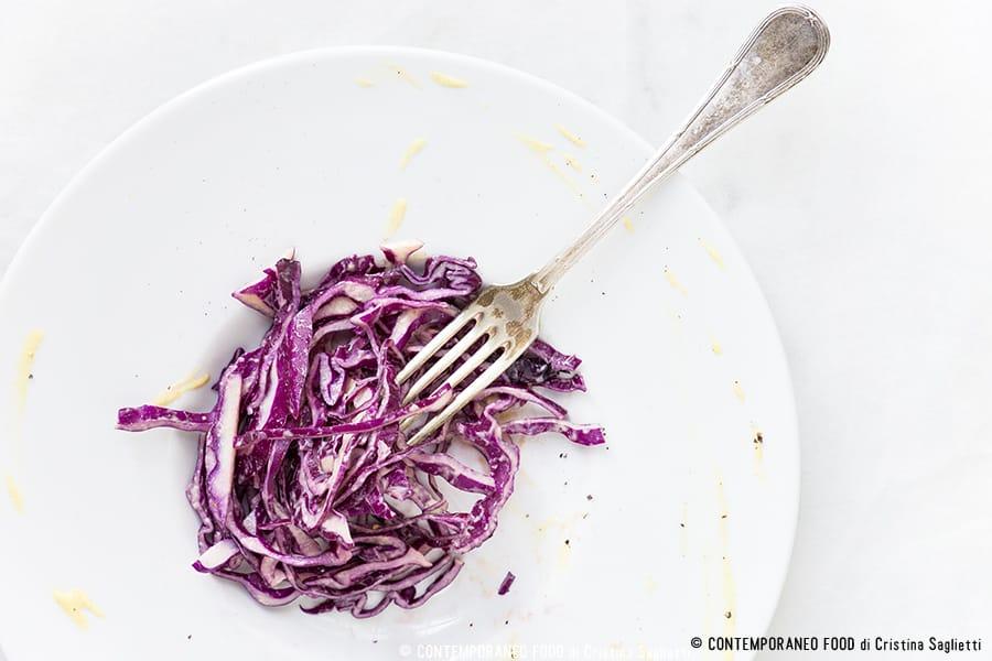 insalata-cavolo-rosso-senape-ricetta-light-per-la-dieta-contemporaneo-food