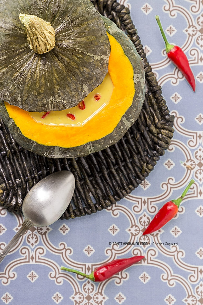 vellutata-piccante-di-zucca-latte-di-cocco-verdure-ricetta-contemporaneo-food