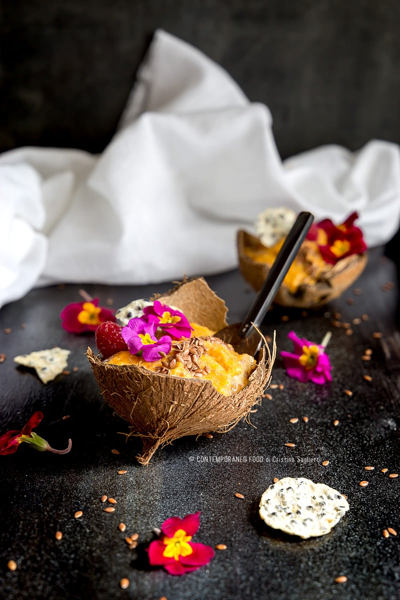smoothie-bowl-zucca-banana-semi-di-lino-ricetta-light-firness-ricetta-light-mangiare-sano-contemporaneo-food