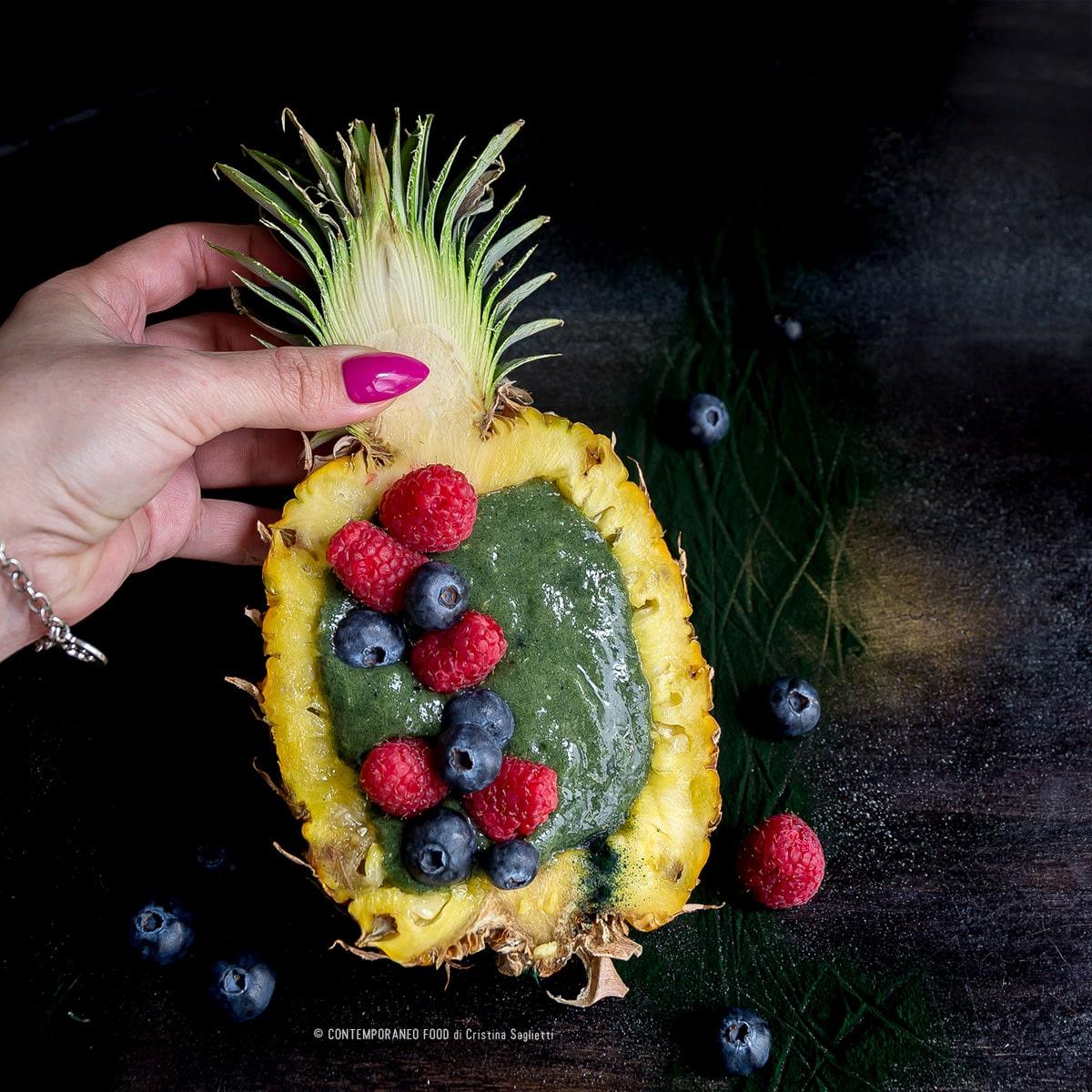 smoothie-bowl-spirulina-ananas-banana-superfood-2018-ricetta-facile-contemporaneo-food