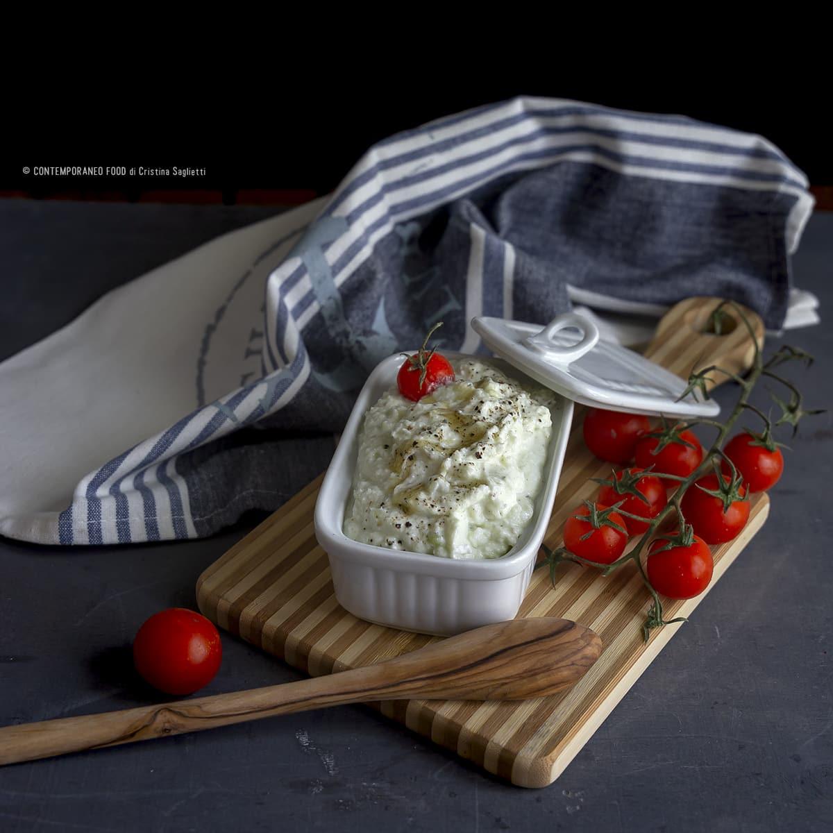 crema-di-feta-greca-ricetta-veloce-facile-vegetariana-last-minute-formaggi-light-contemporaneo-food