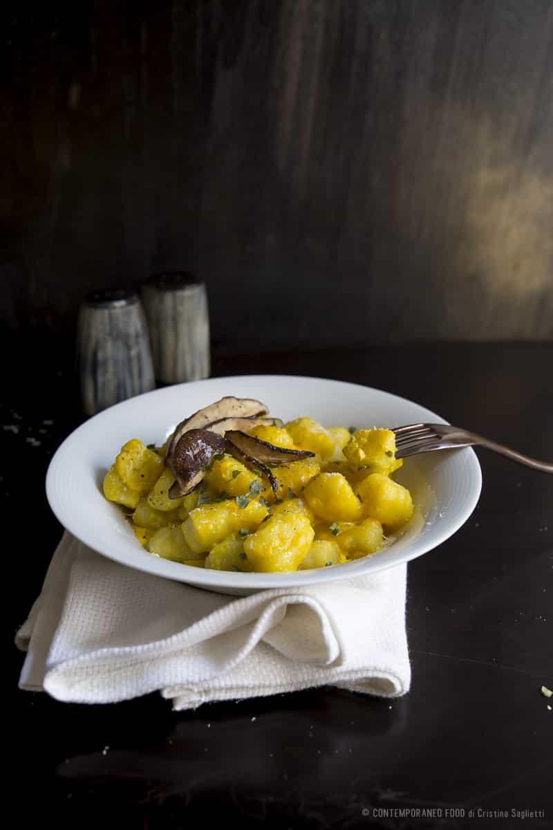 gnocchi-zafferano-birra-funghi-ricetta-primo-pasta-contemporaneo-food