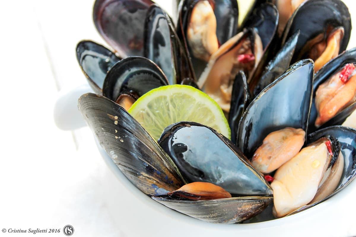cozze-alla-birra-castello-ricetta-estiva-contemporaneo-food