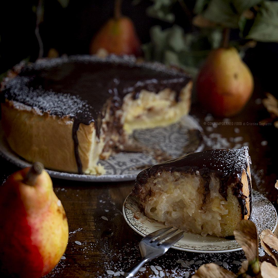 crostata-con-riso-al-latte-e-vaniglia-pere-alla-cannella-e-Rum-ganache-fondete-dolce-al-cioccolato-contemporaneo-food