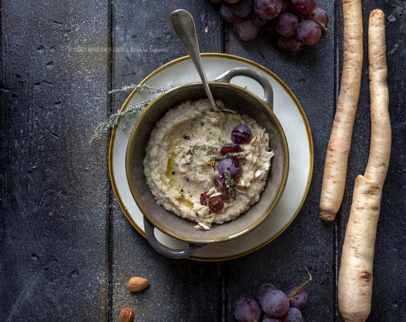 crema-vellutata-di-radici-amare-patate-dolci-mandorle-uva-ricetta-vegetariana-facile-primo-piatto-depurativo-contemporaneo-food