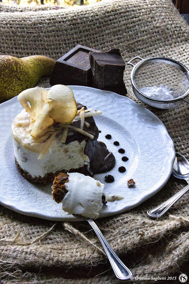 mousse-alla-pera-speculos-salsa-cioccolato-fondente-4-contemporaneo-food