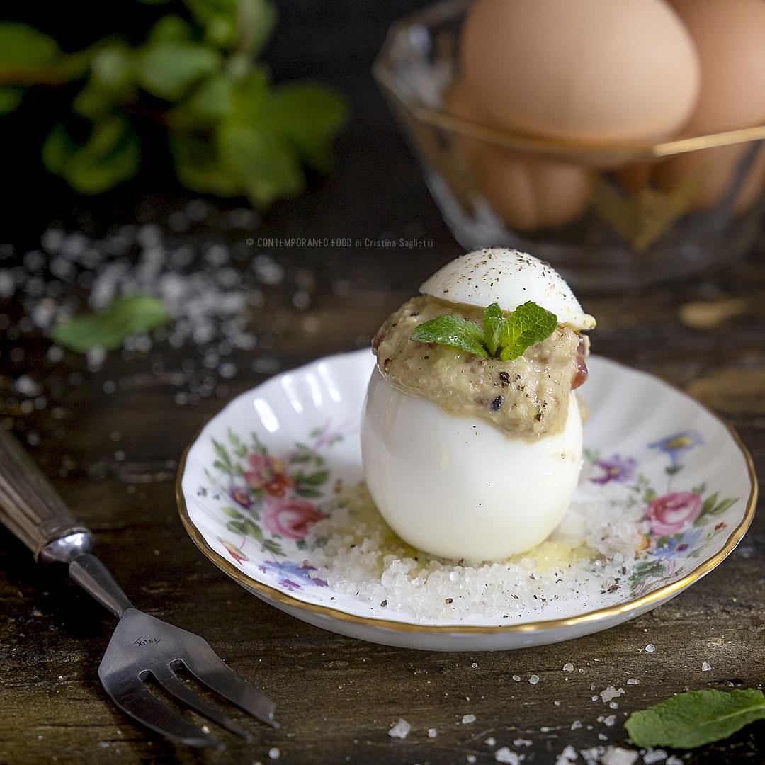 uova-ripiene-pomodorini-secchi-taggiasche-antipasto-pasqua-pasquetta-ricetta-facile-contemporaneo-food