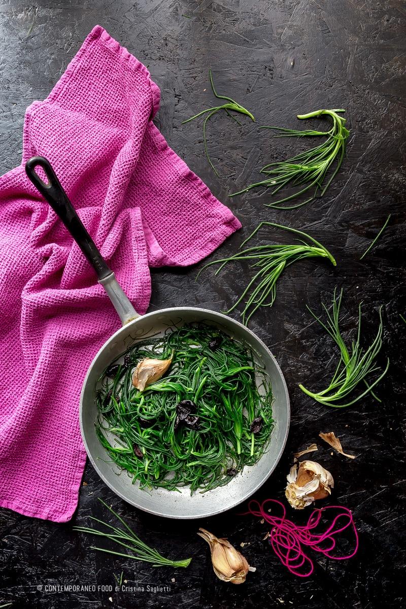 agretti-in-umido-con-olive-nere-ricetta-facile-vegetariana-contemporaneo-food