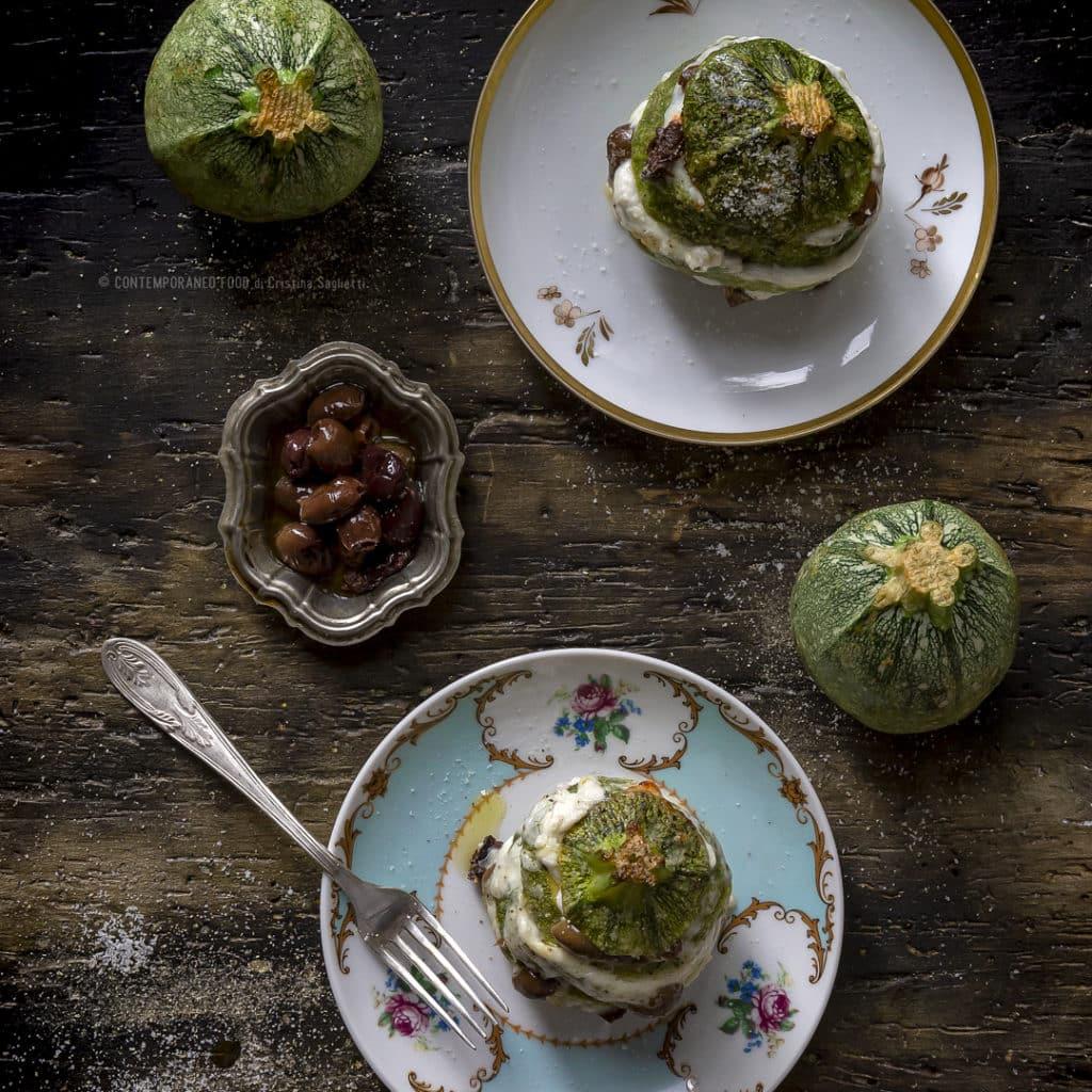 zucchine-al-forno-ripiene-di-stracciatella-di-burrata-olive-taggiasche-ricetta-facile-vegetariana-contemporaneo-food