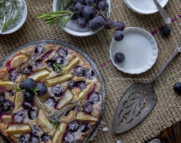 torta-uva-fragola-pere-rosmarino-3b-ricetta-facile-dessert-merenda-settembre-contemporaneo-food