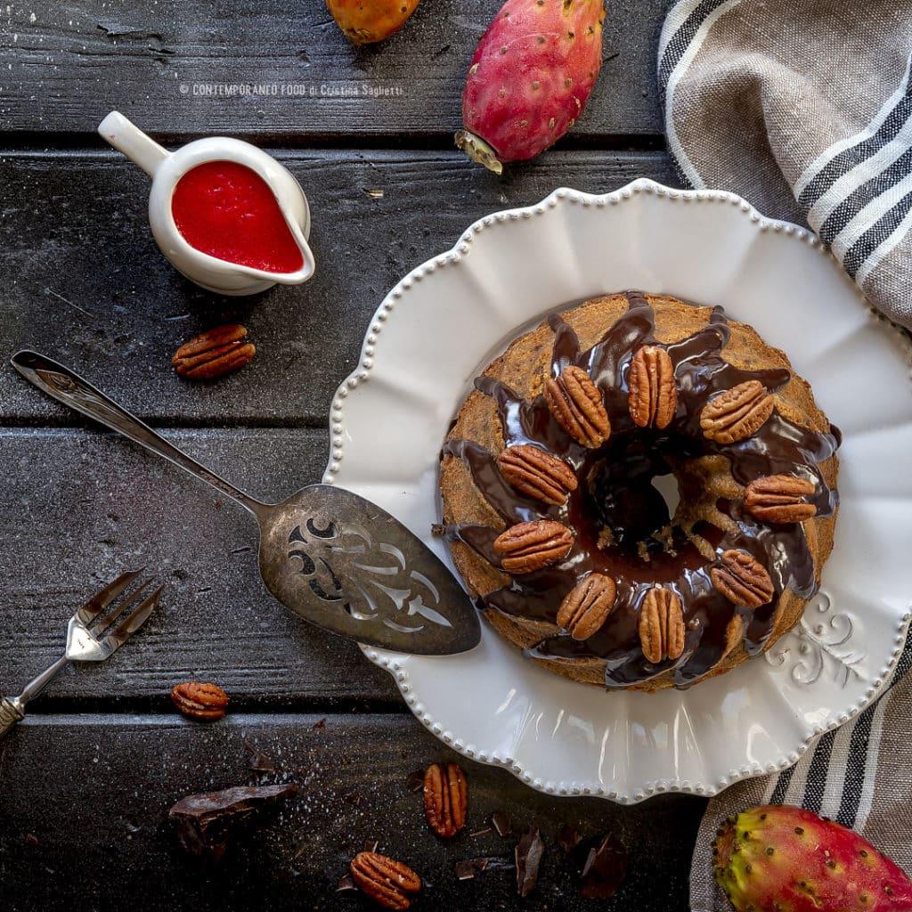 torta-cioccolato-fondente-noci-pecan-con-coulis-fichi-india-rum-ricetta-dolce-facile-contemporaneo-food
