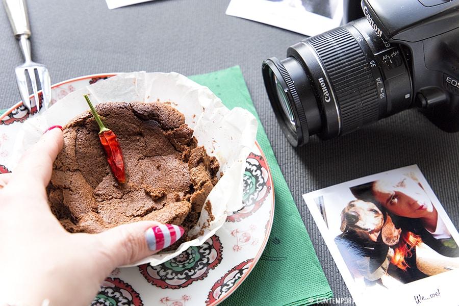 torta-cioccolato-fondente-peperoncino-ricetta-dolce-facile-contemporaneo-food
