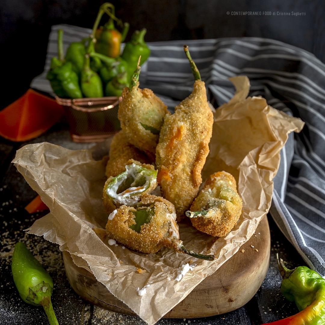 peperoni-verdi-friggitelli-fritti-ripieni-di-f