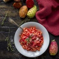 tagliatelle-fichi-india-pancetta-affumicata-timo-ricetta-facile-veloce-primo-contemporaneo-food