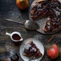 torta-morbida-alla-vaniglia-con-pere-cotte-nel-vin-brulé-dolce-facile-contemporaneo-food