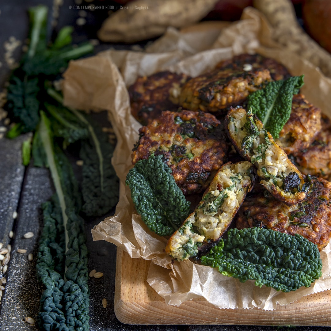 crocchette-cavolo-nero-patate-dolci-orzo-secondo-piatto-ricetta-vegetariana-facile-contemporaneo-food
