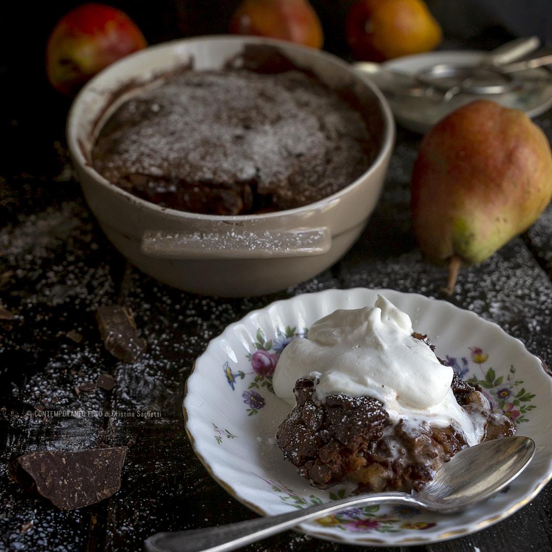 torta-al-cioccolato-dal-cuore-fondente-con-pere-ricetta-facile-veloce-merenda-contemporaneo-food