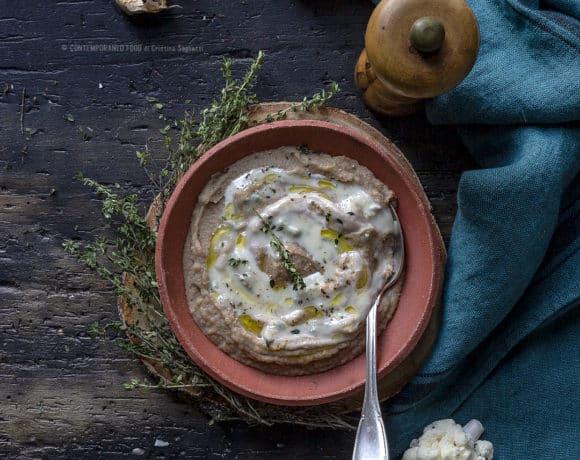 crema-di-cavolfiore-aglio-nero-salsa-di-gorgonzola-ricetta-vegetariana-facile-primo-contemporaneo-food