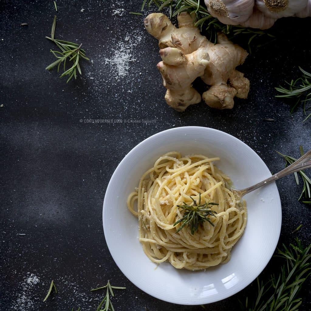 spaghetti-aglio-olio-zenzero-ricetta-primo-piatto-pasta-facile-veloce-vegetariano-contemporaneo-food