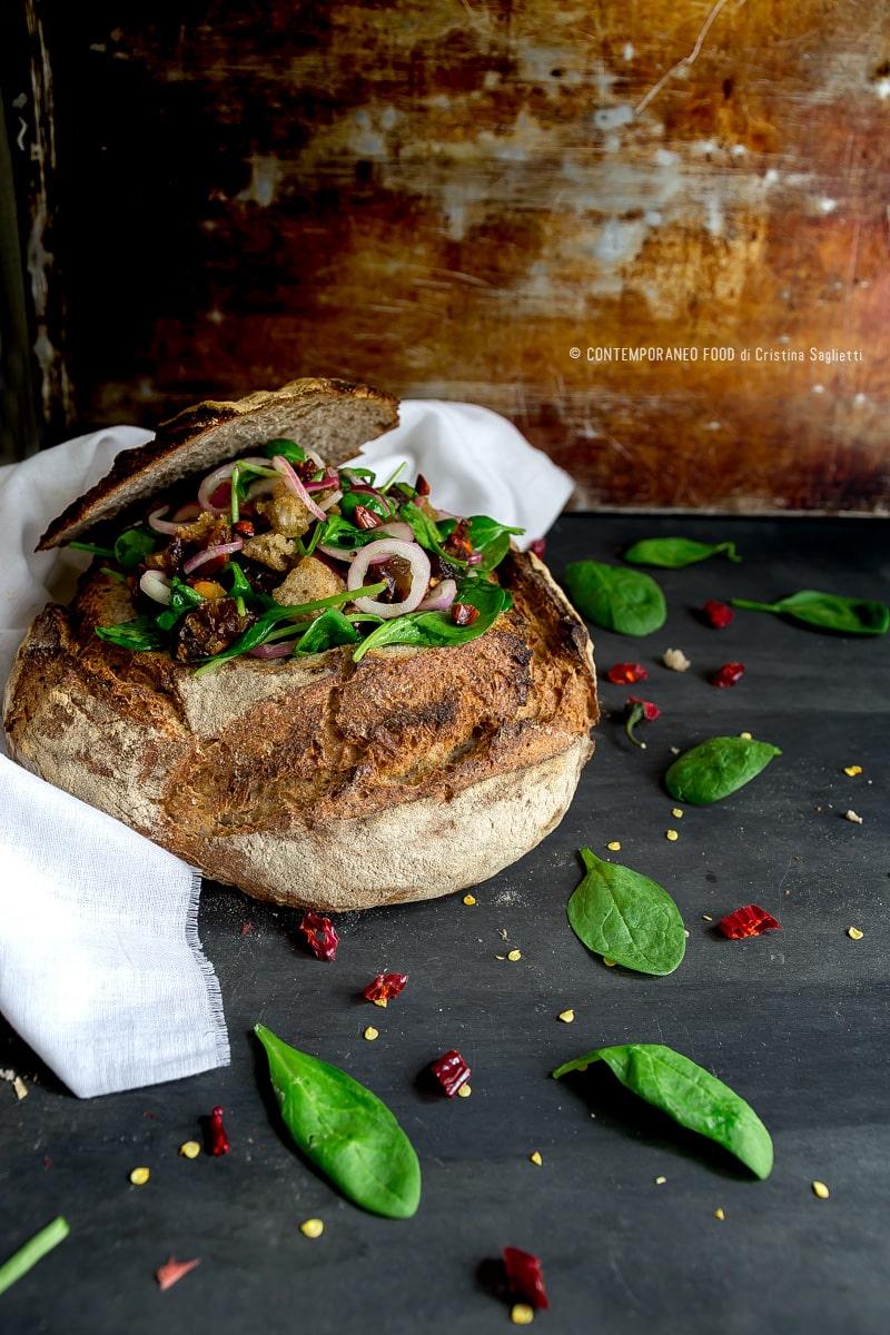 spinaci-in-insalata-con-datteri-pane-casereccio-cipolla-di-tropea-mandorle-tostate-ricetta-last-minute-veloce-contemporaneo-food