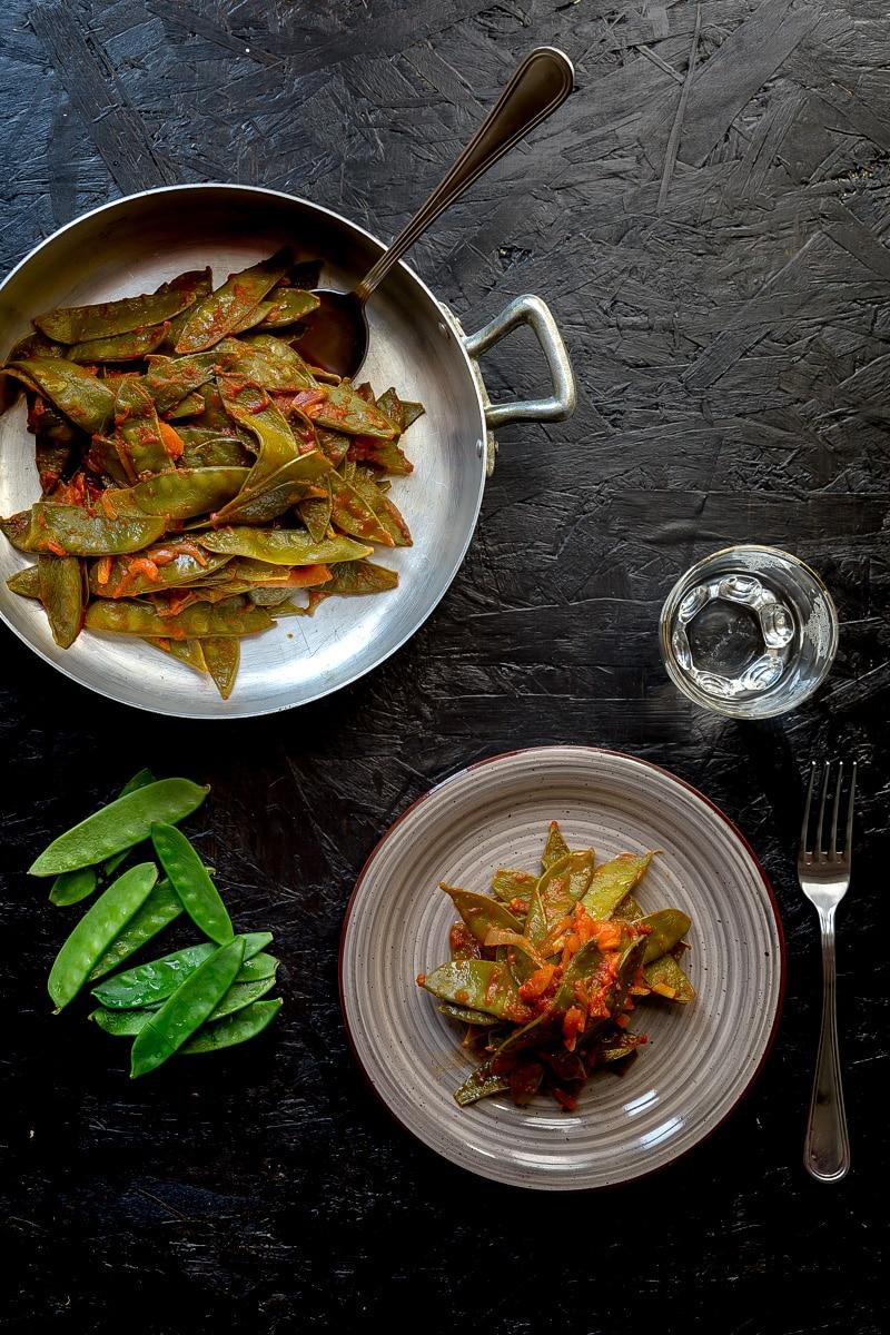 taccole-mangiatutto-al-pomodoro-contorno-ricetta-facile-contemporaneo-food