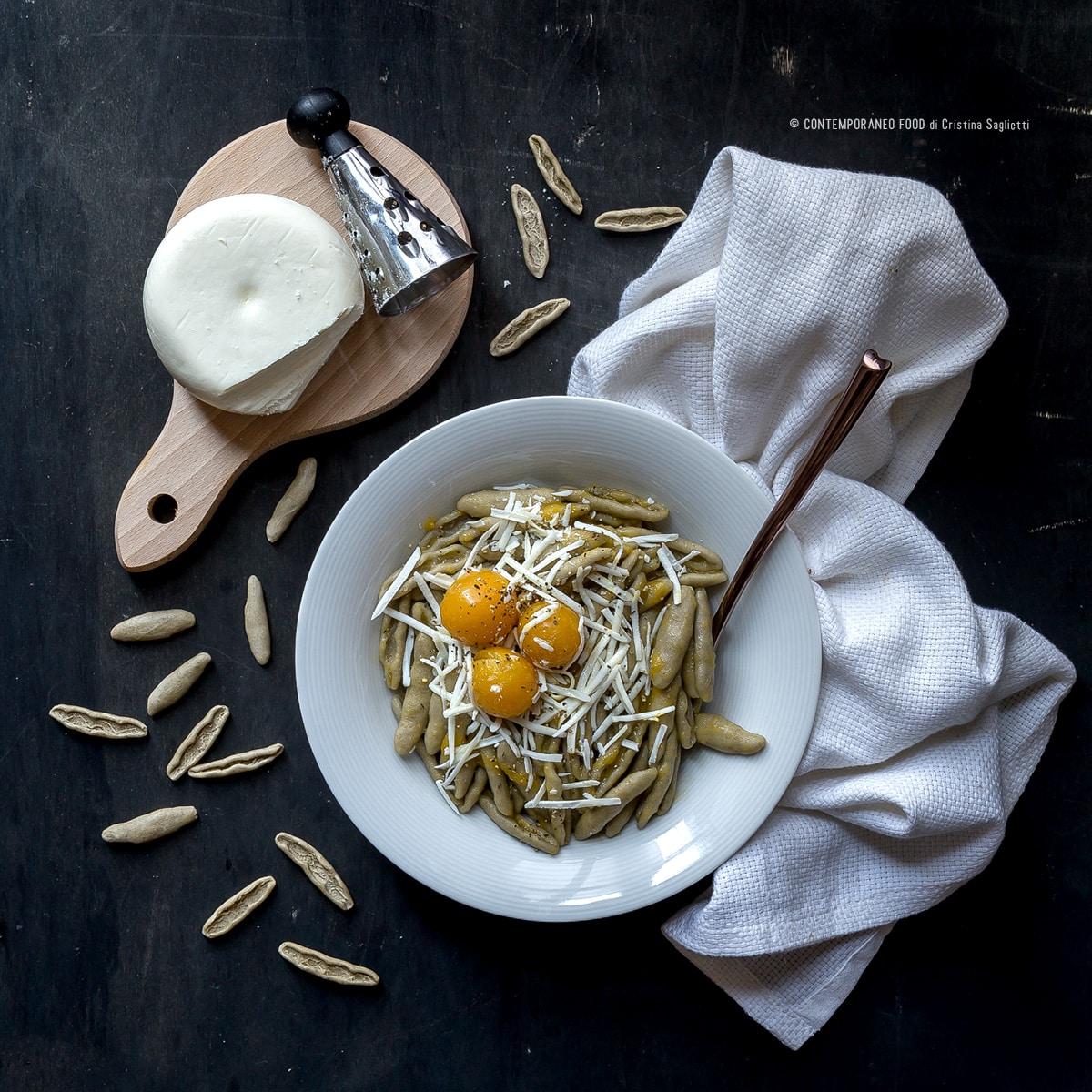 pasta-grano-arso-pomodorini-pachino-gialli-cacioricotta-ricetta-primi-facili-pasta-contemporaneo-food