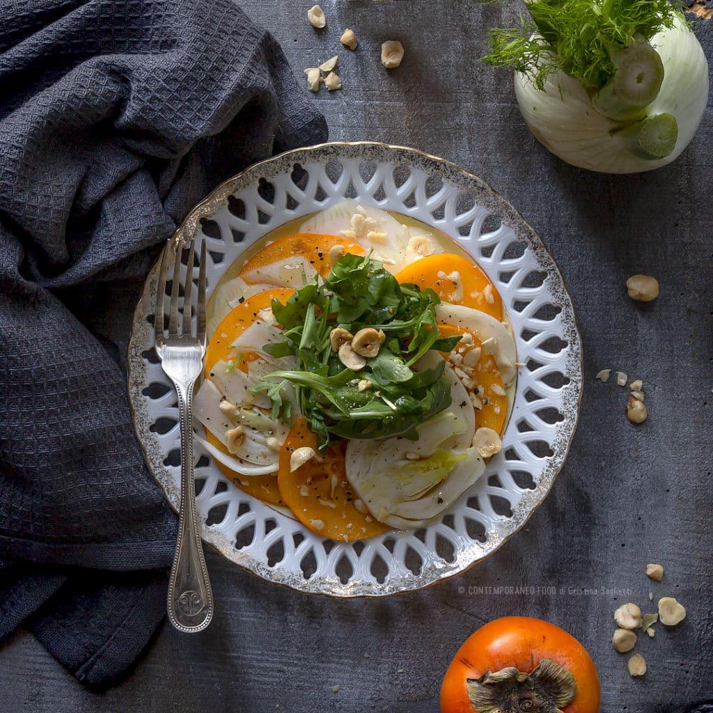 cachi-mela-in-insalata-con-finocchi-rucola-nocciole-ricetta-vegetariana-facile-contorno-veloce-miele-contemporaneo-food