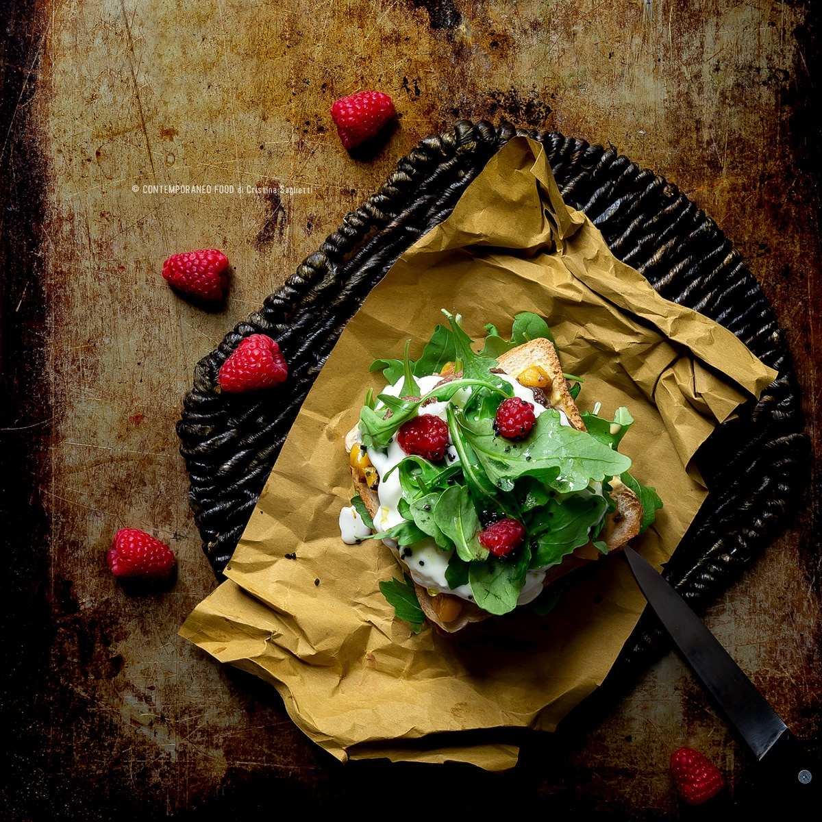 secondi-clubsandwich-carne-rucola-squacquerone-lamponi-salsa-mango-ricetta-1-contemporaneofood