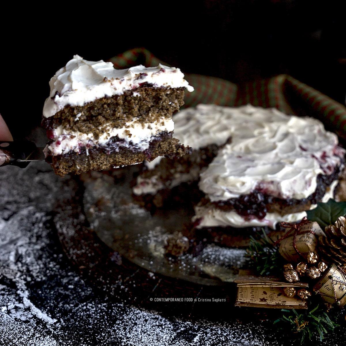 pan-di-spagna-alla-farina-di-canapa-crema-di-mascarpone-alla-vaniglia-marmellata-di-frutti-di-bosco-torta-natale-farine-alternative-contemporaneo-food