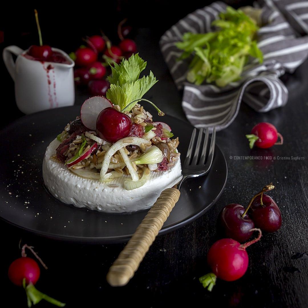 avena-in-insalata-con-crudité-primo-sale-e-salsa-di-ciliegie-ricetta-estiva-primo-facile-veloce-contemporaneo-food