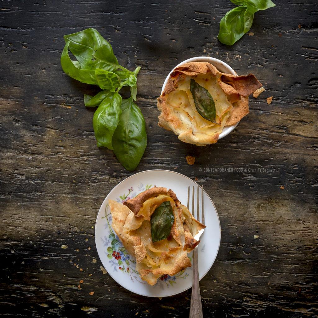cestini-di-pane-carasau-con-stracchino-basilico-sale-affumicato-antipasto-estivo-piatto-unico-vegetariano-contemporaneo-food