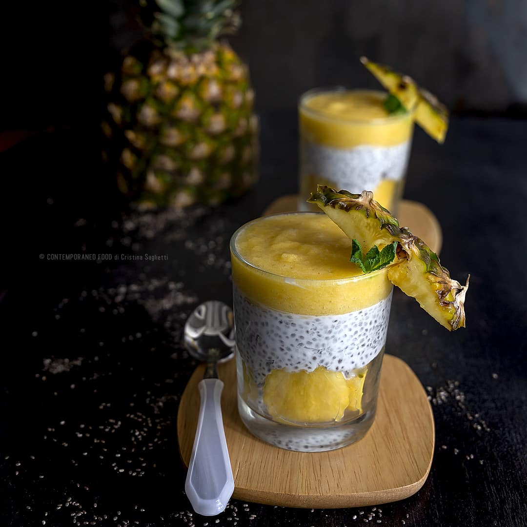 pudding-ananas-chia-latte-di-mandorla-ricetta-light-facile-dessert-estivo-senza-glutine-contemporaneo-food