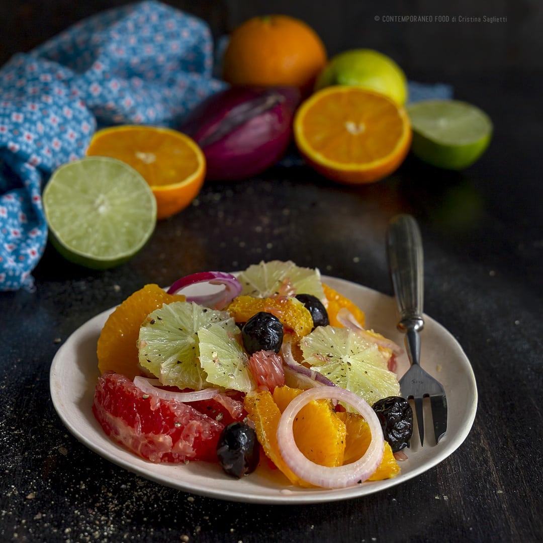 insalata-di-agrumi-cipolla-di-tropea-olive-nere-ricetta-facile-veloce-con-la-frutta-vegetariana-contemporaeo-food