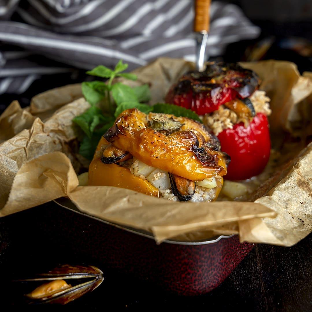 peperoni-ripieni-con-avena-patate-e-cozze-ricetta-facile-primo-piatto-contemporaneo-food