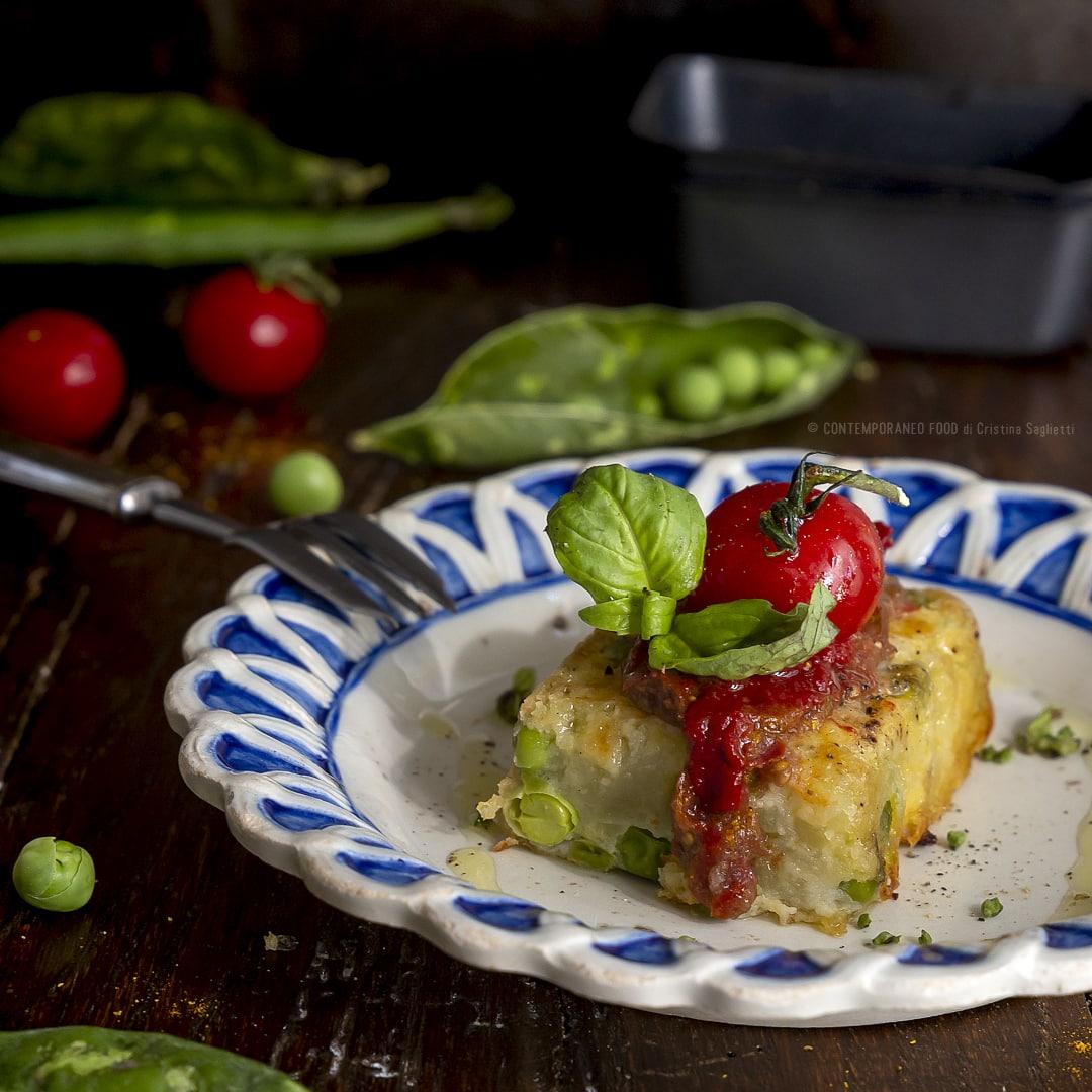terrina-patate-piselli-con-passata-di-pomodorini-confit-ricetta-facile-vegetariana-antipasto-contemporaneo-food