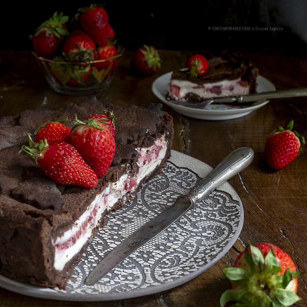 torta-di-confettura-di-fragole-mascarpone-ricotta-con-frolla-al-cacao-ricetta-facile-contemporaneo-food