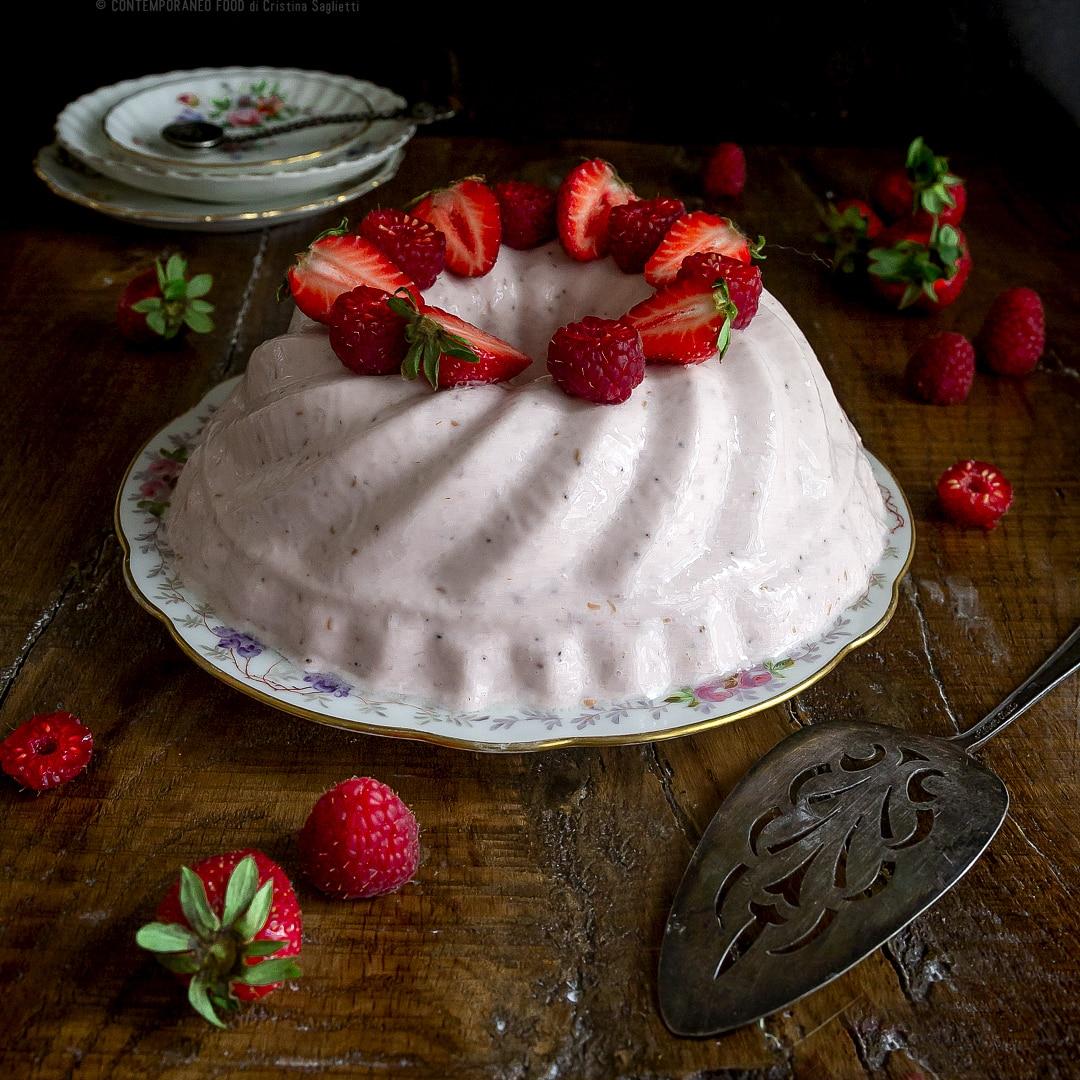 budino-alle-fragole-lamponi-con-latte-condensato-non-zuccherato-dessert-facile-veloce-contemporaneo-food