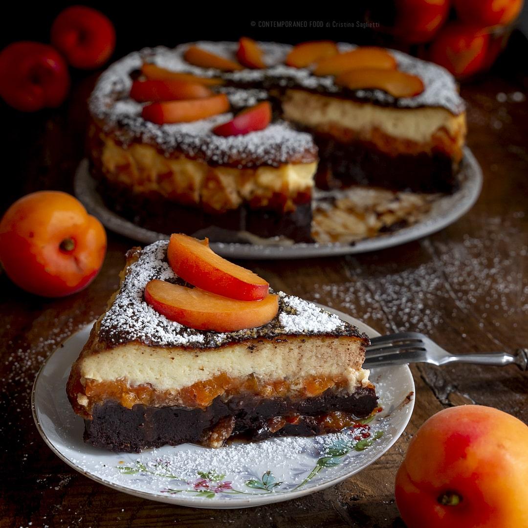 torta-brownie-con-albicocche-e-cremoso-alla-vaniglia-ricetta-merenda-contemporaneo-food