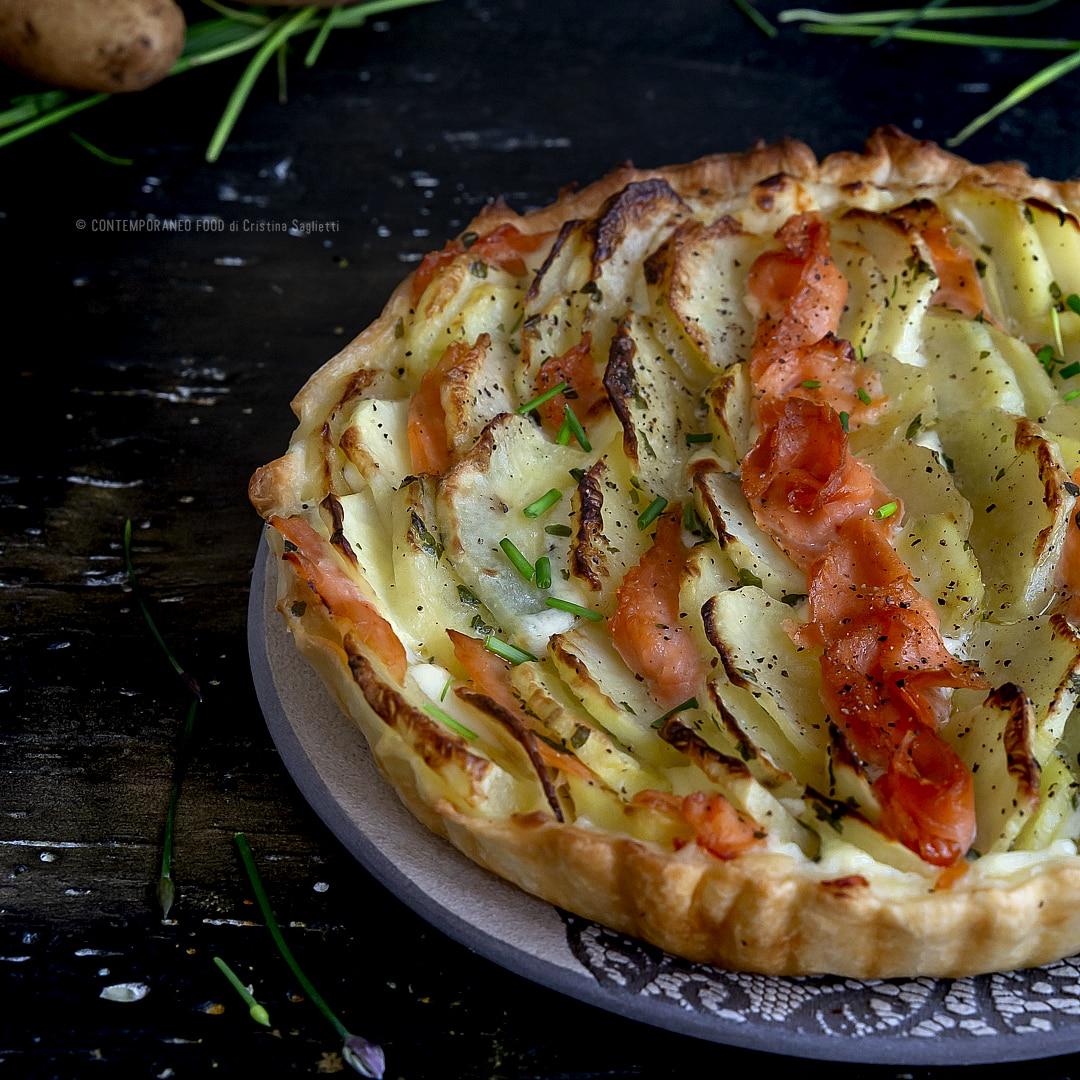 torta-salata-mascarpone-erba-cipollina-salmone-affumicato-patate-ricetta-facile-veloce-contemporaneo-food