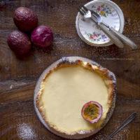crostata-con-panna-cotta-al-frutto-della-passione-ricetta-facile-dolce-facile-estivo-contemporaneo-food
