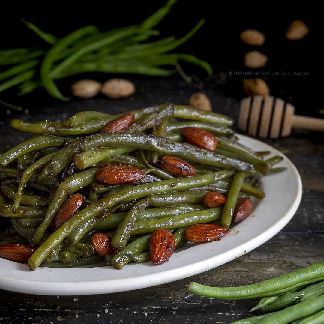 fagiolini-con-miele-mandorle-salsa-di-soia-ricetta-vegetariana-contorno-facile-contemporaneo-food
