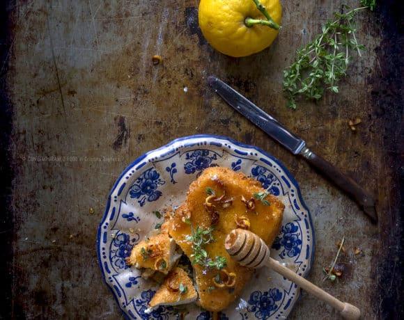 feta-greca-fritta-al profumo-di-limone-con-miele-al-timo-ricetta-piatto-vegetariano-contemporaneo-food