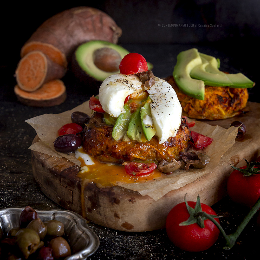 rostì-patate-dolci-avocado-pachino-taggiasche-uovo-poché-piatto-unico-estivo-facile-contemporaneo-food